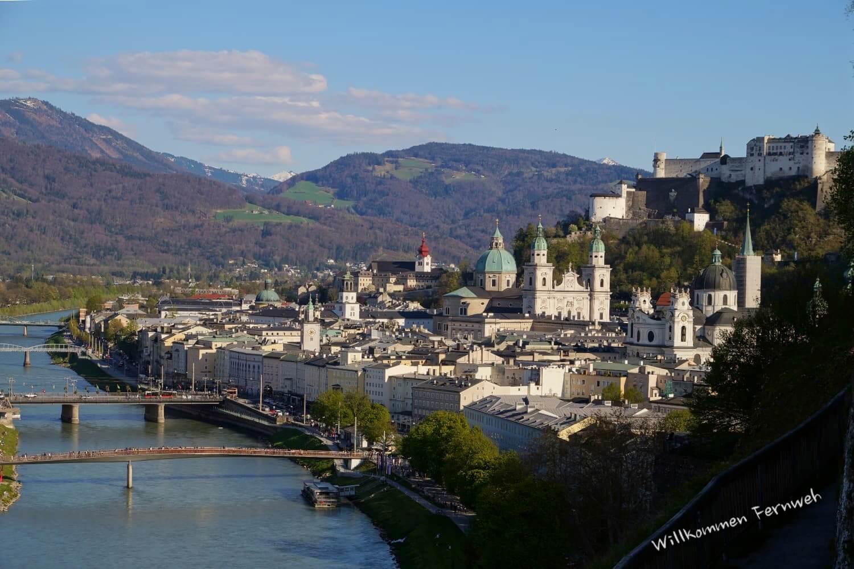 Die Altstadt von Salzburg mit dem Festungsberg