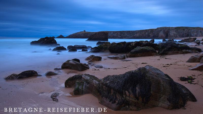 Zur blauen Stunde an der Côte Sauvage, Bretagne (bretagne-reisefieber.de)