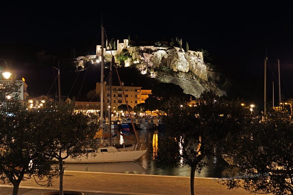 Hafen und Burg, Cassis