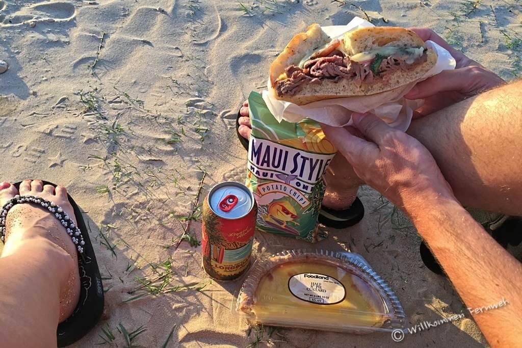 Beachlife und Dinner zum Sonnenuntergang am Anini Beach, Kauai