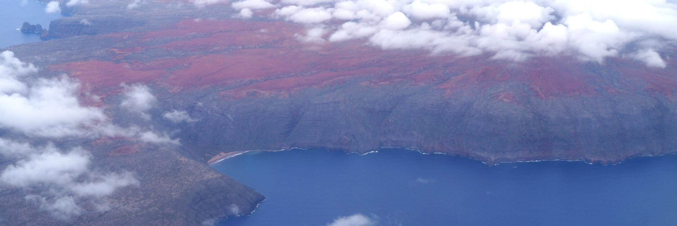Kahoolawe vom Flugzeug, Hawaii