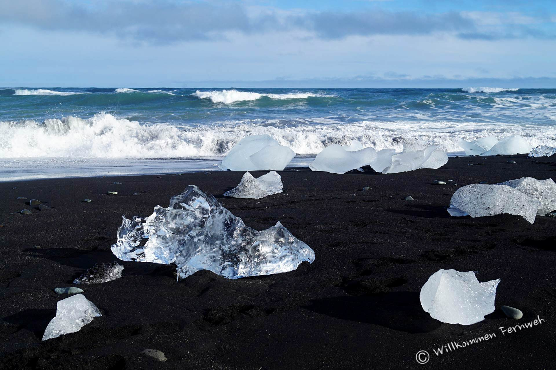 Der Diamond Beach mit Eisbrocken aus der Gletscherlagune Jökulsarlon