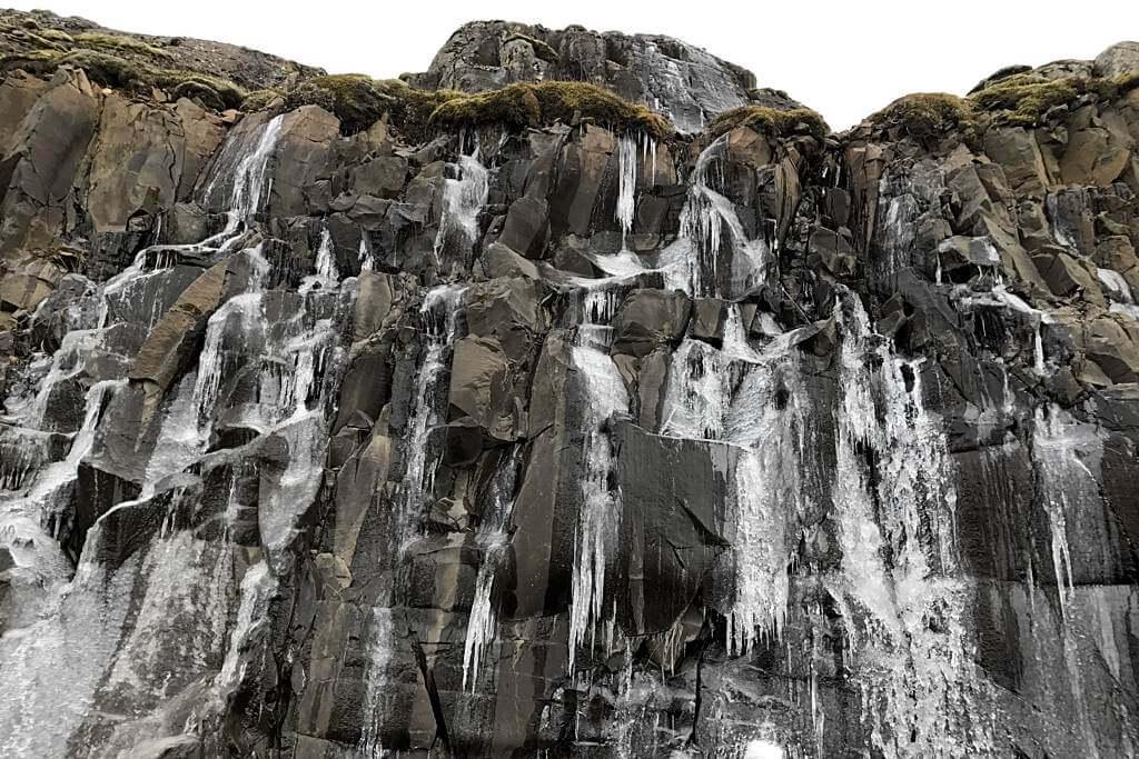 Eiszapfen gab es häufig zu bewundern, Island