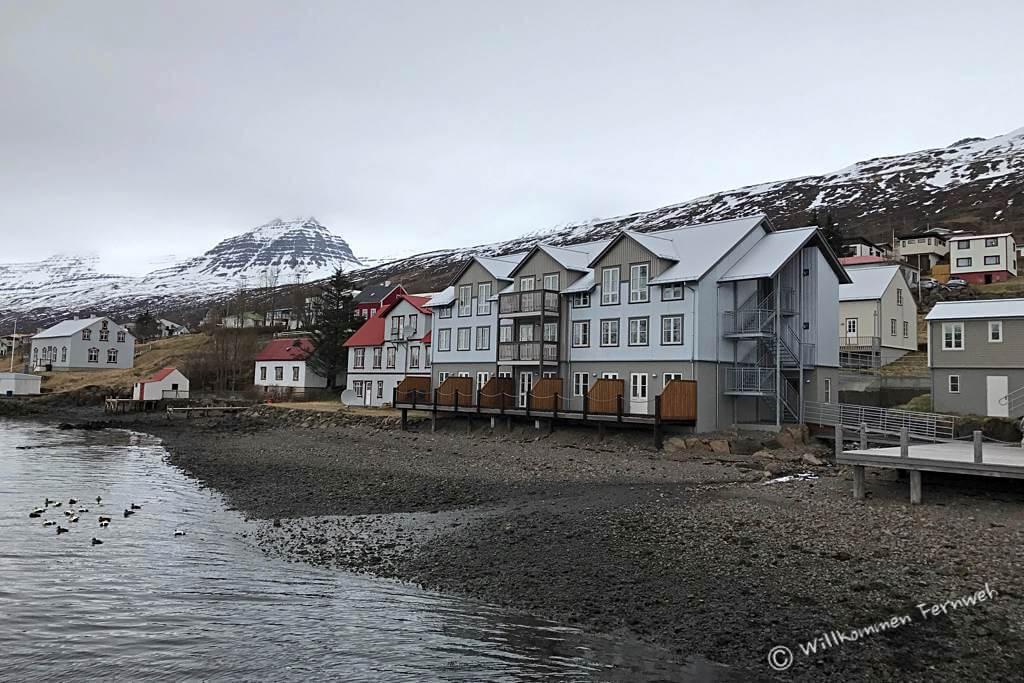 Bedeckt und bald Schneefall am Fosshotel Eastfjords