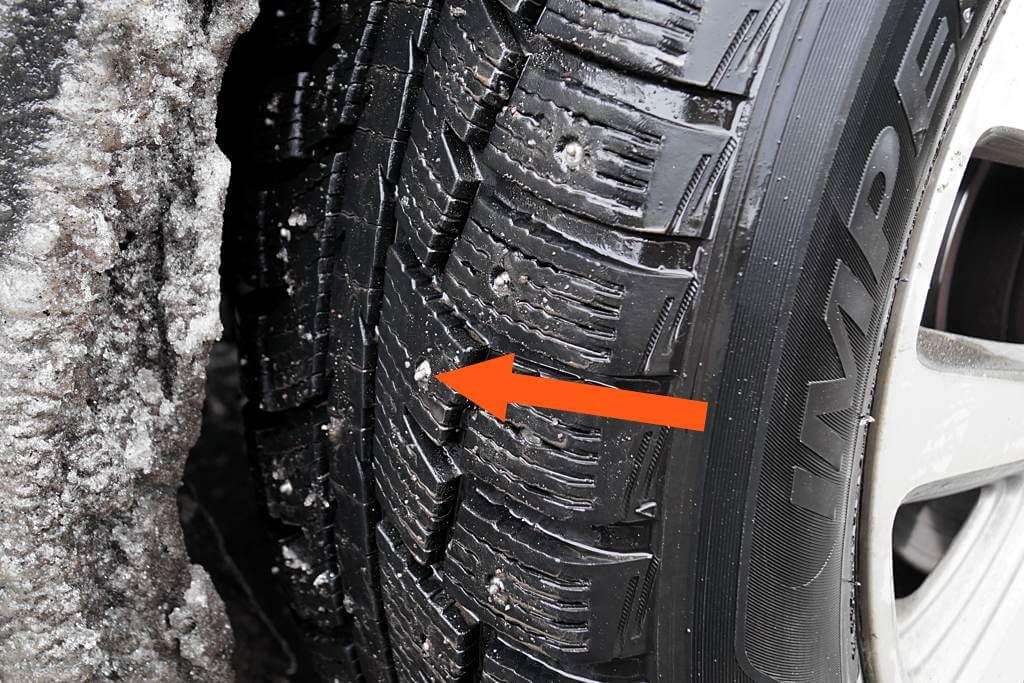 Mit Spikes fährt es sich auf Schnee und Eis erheblich sicherer