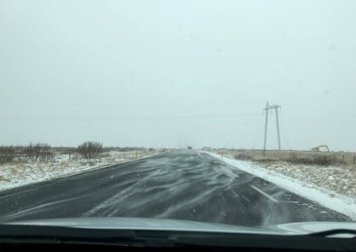 Schneeverwehungen beim Island-Roadtrip im April