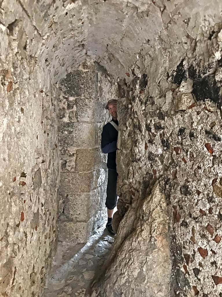 Krasse Sache: Die extrem enge Gasse in Santo Stefano di Sessanio (Abruzzen)