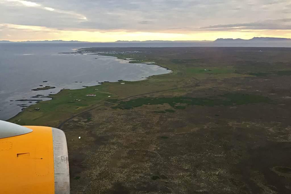 Im Anflug auf Island