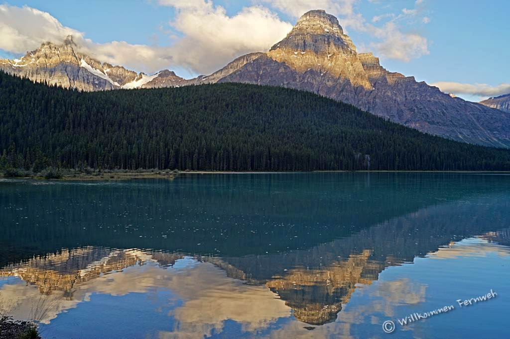 Sunrise am Mount Chephren mit Lower Waterfowl Lake
