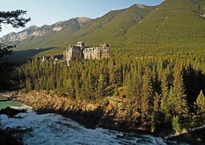 Banff Springs Hotel mit Bow Falls