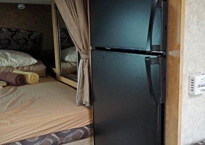 Kühlschrank mit Tiefkühlteil im Truck Camper