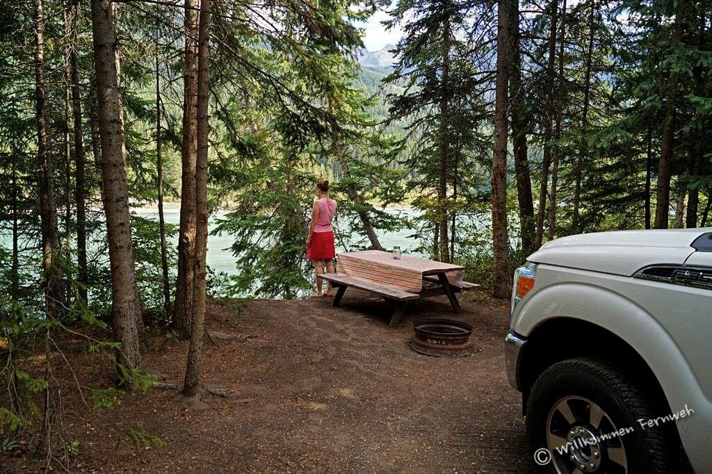 Unsere Site im Robson Shadows Campground direkt am Fluss