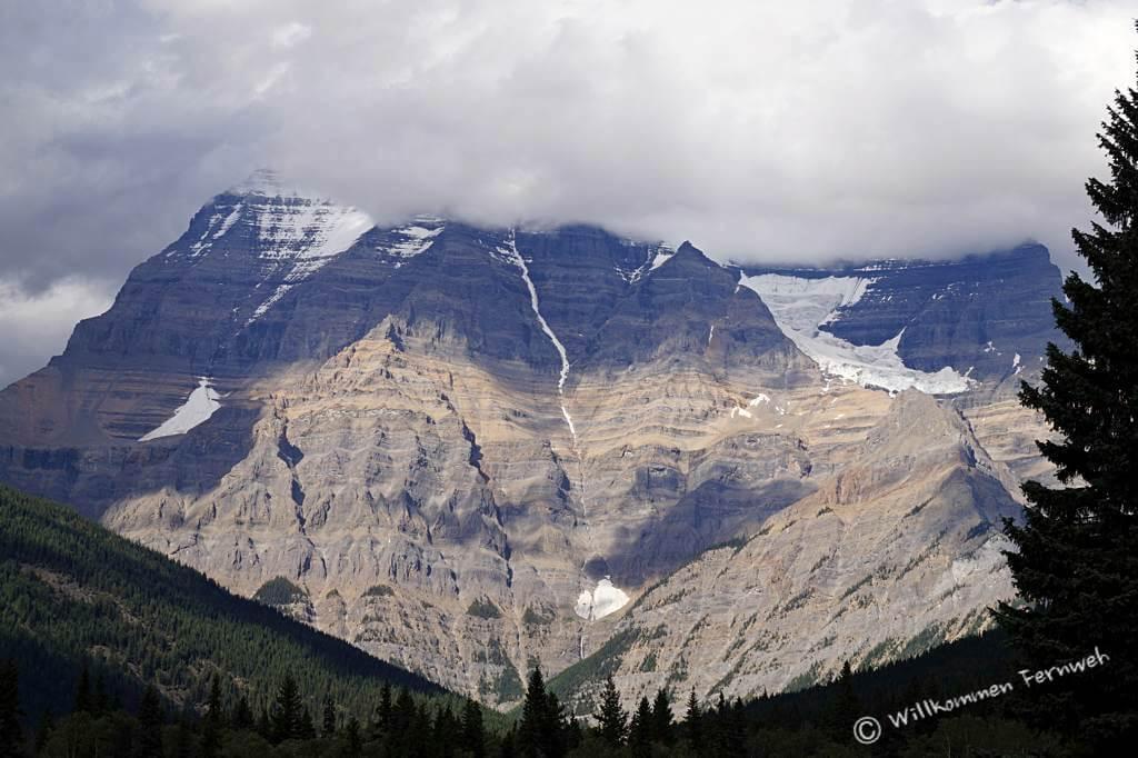 Nachmittags im Wolkenschleier – der Mount Robson