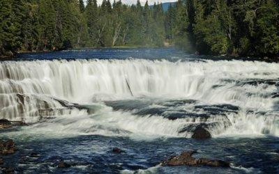 Wells Gray Park – imposante Wasserfälle, springende Lachse und tiefe Wälder