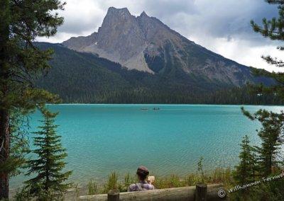 Pause mit Sandwich und Blick auf den Emerald Lake