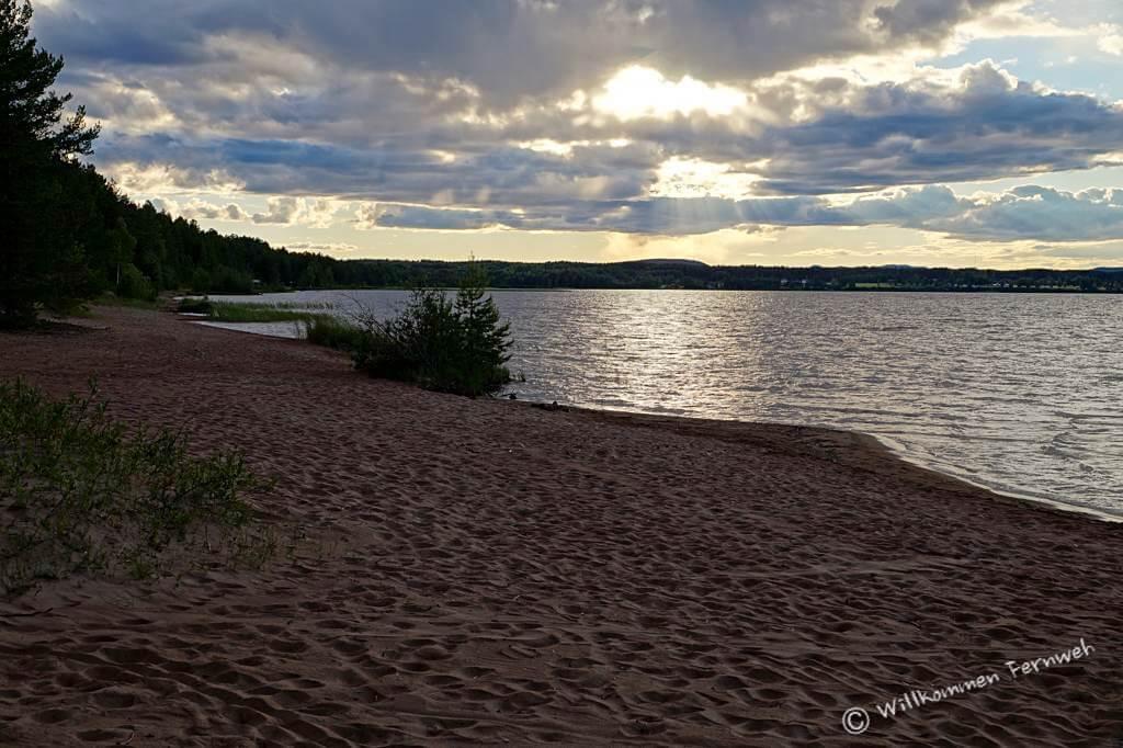 Sonnenuntergang am Strand des Orsasjön