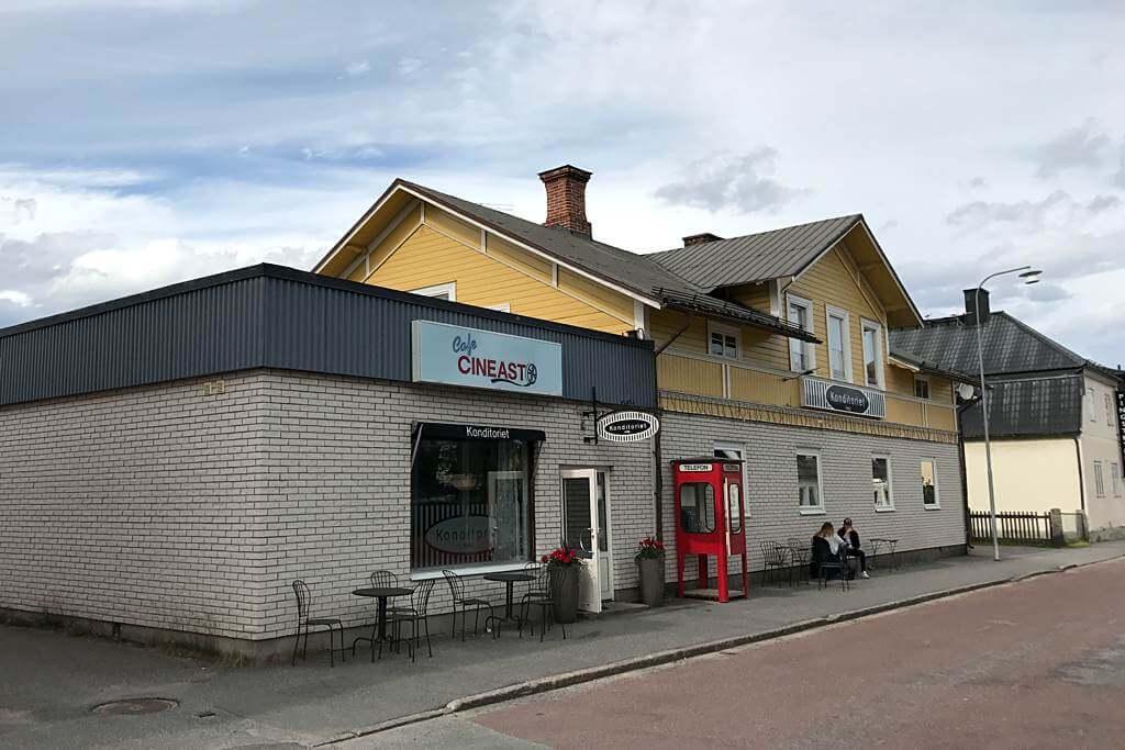 Café Cineast in Sveg, von außen ganz unscheinbar...