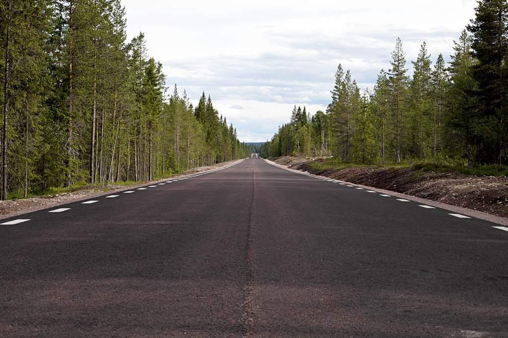 Straße von Lillhärdal nach Älvdalen