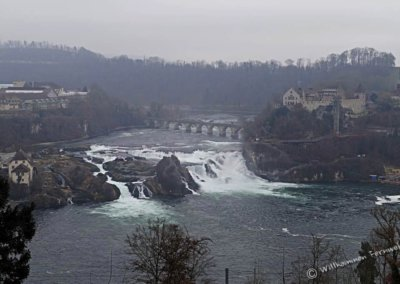 Der Rheinfall von Schaffhausen im Winter