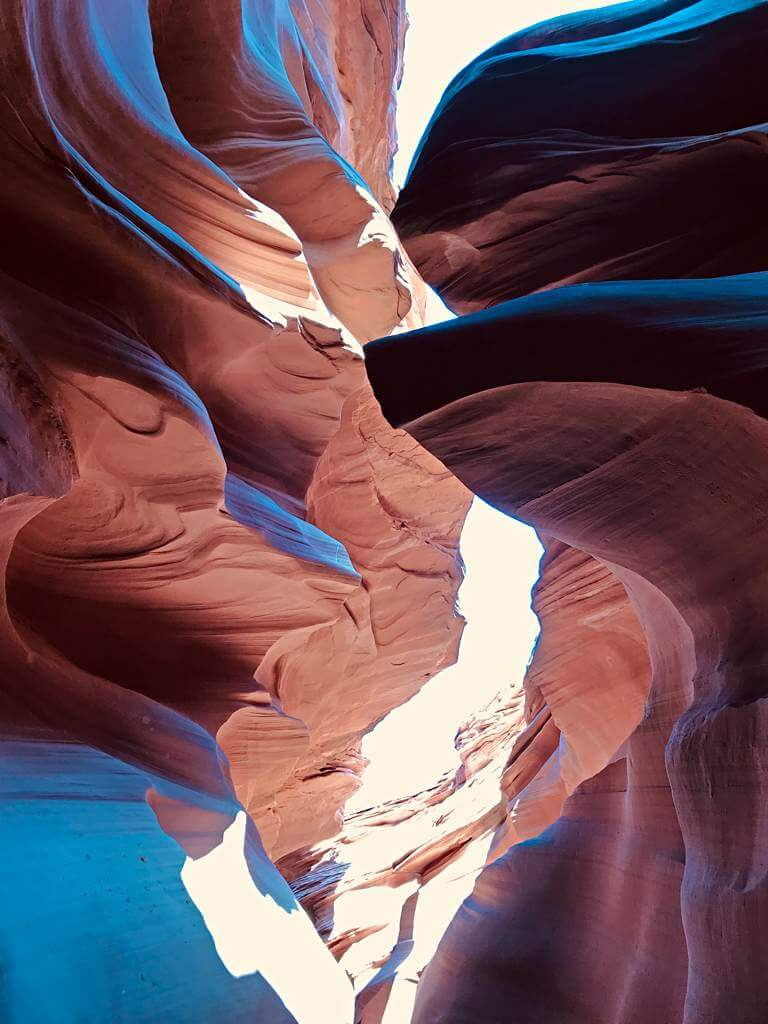 Bläuliches Licht mit dem iPhone – Lower Antelope Canyon, USA
