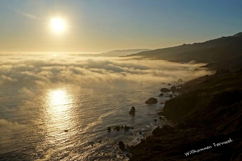 Blick auf den abendlichen Pazifik vom Muir Beach Overlook