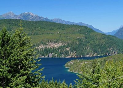 Nur ein kleiner, vom Highway aus sichtbarer Teil des Ross Lake
