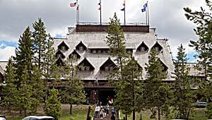 USA-Yellowstone-Lodges-bbs