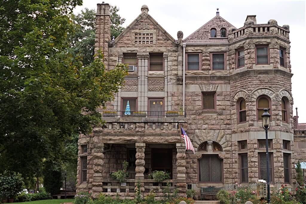 Castle Marne B&B, Denver