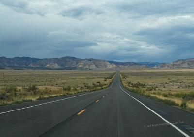 Straße zum Douglas Pass