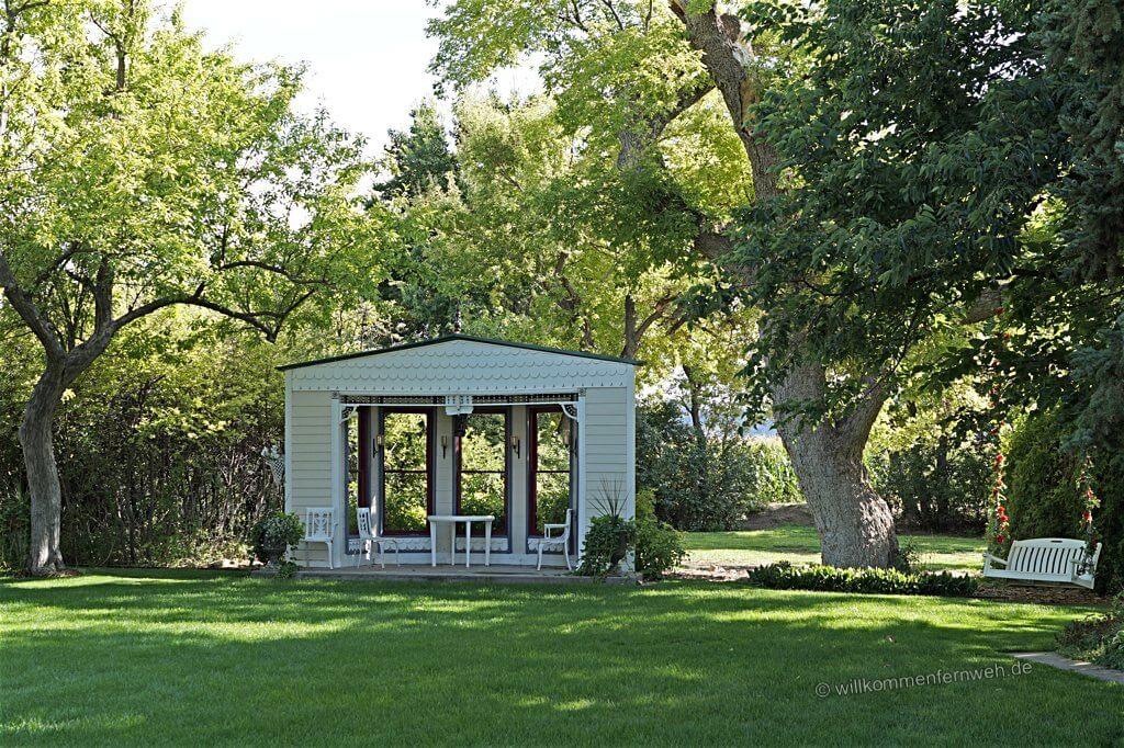 Pavillon im Garten des Barn
