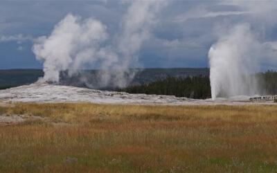 Magischer Yellowstone: Heiße Quellen, hohe Geysire und blubbernde Schlammlöcher